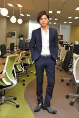『東京PRウーマン』 に出演する山本裕典