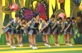HKT48の新曲「12秒」にちなみ、MVでは選抜16人全員が12秒のキス顔を披露(C)AKS