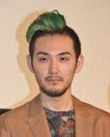 緑色のモヒカンヘアで登場した松田龍平 (C)ORICON NewS inc.