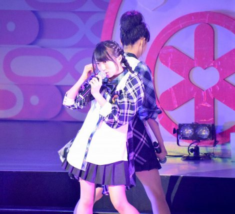「汚れている真実」を初披露したチーム8選抜メンバーの坂口渚沙(北海道代表)