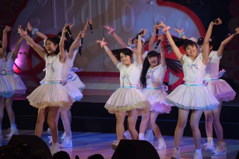 M16「ラブラドール・レトリバー」〜AKB48チーム8結成1周年記念特別公演より (C)ORICON NewS inc.