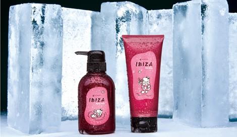 サムネイル 左:『Amatora IBIZA frost wash』(シャンプー)/右:『Amatora IBIZA ice pac』(ヘアトリートメント)