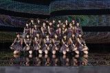 4月3日に卒業した山田菜々(前列右から4人目)がセンターを務めたNMB48