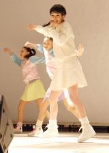 プロペラダンスを披露した剛力彩芽=1stアルバム『剛力彩芽』発売記念イベント (C)ORICON NewS inc.