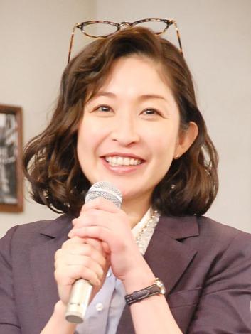 NHK高校講座『お悩み解決! ベーシック数学』の会見に出席した小野真弓 (C)ORICON NewS inc.
