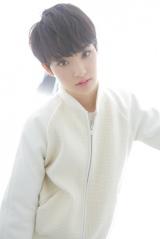 初のアルバムを発売した剛力彩芽(写真:ウチダアキヤ)
