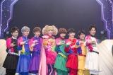 """KABA.ちゃんと記念撮影 『BULLET TRAIN ONEMAN SHOW SPRING HALL TOUR 2015 """"20億分のLINK 僕らのRING""""』より PHOTO: 米山三郎(SignaL)"""