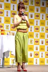 リプトンの新キャンペーン「IT'S a SMILE WORLD」記念イベントに参加した鈴木菜々 (C)oricon ME inc.
