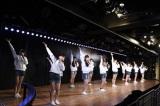 AKB48劇場で前座出演を果たした16人(C)AKS