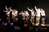 HKT48劇場で前座出演を果たした10人(C)AKS