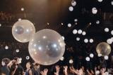 ミギーの「目玉バルーン」が会場に=映画『寄生獣 完結編』完成披露舞台あいさつ (C)ORICON NewS inc.