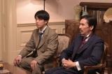 (左から)秋山篤蔵役の佐藤健、粟野慎一郎役の郷ひろみ=『日曜劇場 天皇の料理番』(C)TBS