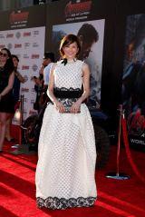 ランバンのドレスをチョイスした米倉涼子