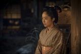 4月19日放送『花燃ゆ』第16回「最後の食卓」より。松陰が江戸に発つ前の最後の夜、文は松陰に意外なことを告げる (C)NHK