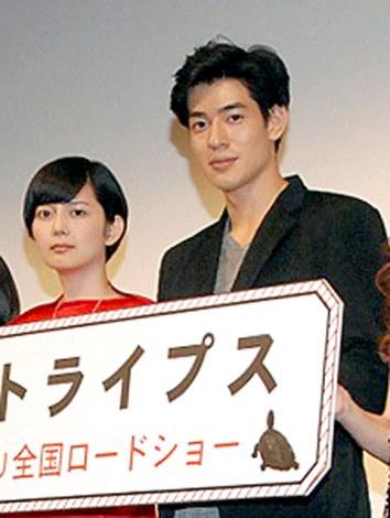 理想の結婚像を明かした(左から)菊池亜希子、中島歩=映画『グッド・ストライプス』完成披露試写会の舞台あいさつ(C)ORICON NewS inc.