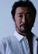 父・周夫さんが演じた山田伝蔵役で『忍たま』に出演する声優・大塚明夫