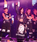 『GirlsAward 2015 SPRING/SUMMER』(東京・代々木第一体育館)でライブを披露した板野友美(写真:片山よしお) (C)oricon ME inc.