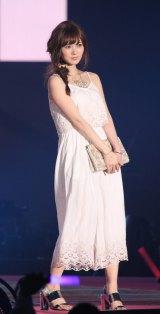『GirlsAward 2015 SPRING/SUMMER』に登場した乃木坂46・白石麻衣(撮影:片山よしお) (C)oricon ME inc.