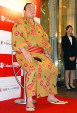 タカシマヤカード発行30年記念『ゆかた地贈呈式』に出席した白鵬(C)ORICON NewS inc.