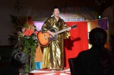 NHK・BSプレミアムのドラマ『ボクの妻と結婚してください。』第2話(5月17日放送)に懐かしの芸人たちが登場。写真は波田陽区(C)NHK