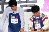 生田斗真とともにキーマカレー作りに挑戦した(左から)鈴木亮平、濱田岳 (C)ORICON NewS inc.