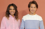 新ドラマ『ワイルド・ヒーローズ』(左から)主題歌を歌うCrystal KayとEXILE・TAKAHIRO(C)日本テレビ