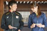 『FIVBワールドカップバレーボール2015』必勝祈願に訪れた(左から)阿部裕太選手、木村沙織選手 (C)ORICON NewS inc.