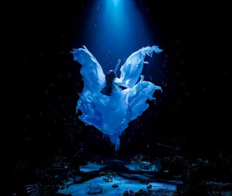 『ミュージック・ジャケット大賞2015』準大賞のAimer『誰か、海を。EP』
