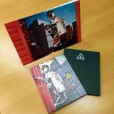 『ミュージック・ジャケット大賞2015』で大賞を受賞した椎名林檎『逆輸入 〜港湾局〜』展開写真