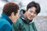 5月17日放送『カムイの海に春が来た 堤真一、北の離島に乾杯』日本最北の海女の生き様に触れる堤真一(右)(C)HBC