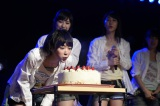 生駒里奈の19歳の誕生日を祝う生誕祭も行われた(C)AKS