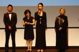 映画『あん』カンヌ国際映画祭 上映前舞台あいさつをする河瀬直美監督(C)LESLIE KEE