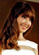 AKB48選抜総選挙投票開始早々に同期の2人に投票した小嶋陽菜 (C)ORICON NewS inc.