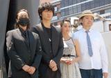 (左から)山田孝之に扮したざわちん、綾野剛、沢尻エリカ、鈴木おさむ (C)ORICON NewS inc.