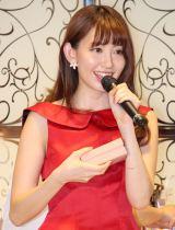 写真集『どうする?』15万部突破記念イベントに出席した小嶋陽菜 (C)ORICON NewS inc.