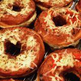 甘くない食事系ドーナツ『グラタンドーナッツ』と『ピザドーナッツ』