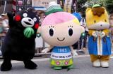 パレードに参加したゆるキャラたち(左から)熊本県のくまモン、東京交通会館のトッコちゃん、群馬県のぐんまちゃん(写真:榑林史章)