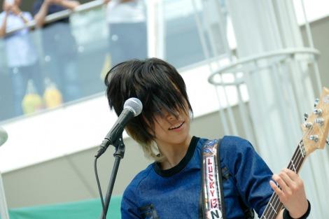 2ndシングル「KNOCKED-OUT BOY」発売記念イベントを行ったLAGOON(写真はNANA)