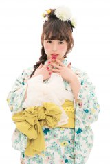 キュートすぎ!おしゃれ浴衣コーデを披露する高畑充希/『ゆかたきぶん 〜今年の夏は、もっとゆかたが好きになる。〜』(ワニブックス/6月2日発売)