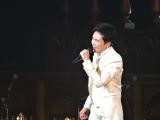 郷ひろみ『Hiromi Go Concert Tour 2015 THE GOLD』初日公演より