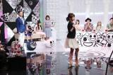 6月8日放送、テレビ東京系『大人も知らない大人の事情』紺野あさ美が得意のダンスを披露する場面も(C)テレビ東京