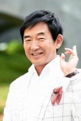 射撃の元オリンピック選手である由井虎次を演じる石田純一(C)テレビ東京