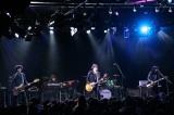 北区在住の吉井和哉はエンディングテーマ曲のセルフカバーを含む2曲を披露(C)テレビ東京