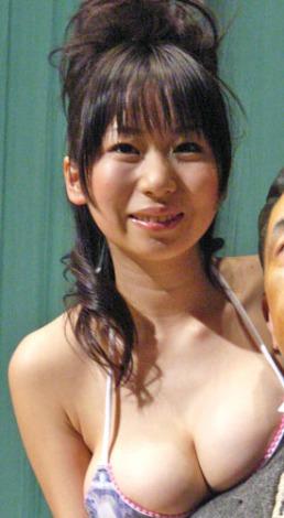 サムネイル ブログで第3子妊娠を報告した夏目理緒 (※写真は07年、芸能イベント出席時の様子) (C)ORICON NewS inc.