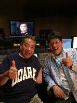 テレビ東京のミニ番組『社長出川哲朗(1歳)』に声の出演をする出川哲朗(左)と飯尾和樹。顔出しはありません(右)(C)テレビ東京