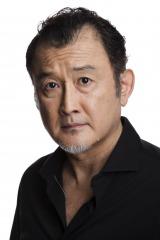 7月スタートの堤真一主演ドラマ『リスクの神様』に出演する吉田鋼太郎