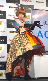 カラフルな和風のドレスで登場したきゃりーぱみゅぱみゅ (C)ORICON NewS inc.