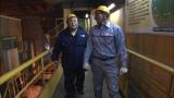 テレビ朝日系『夜の巷を徘徊する』6月11日放送回で千葉市内の製鉄所を訪れたマツコ・デラックス(C)テレビ朝日
