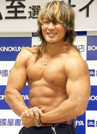 NJPW総選挙で1位宣言をした棚橋弘至選手=フォトブック『1/100 The one-hundredth(ジ・ワンハンドレッス)』発売記念サイン会前取材(C)ORICON NewS inc.