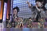 ランクインメンバー80人で「ヘビーローテーション」 『AKB48 41stシングル選抜総選挙・後夜祭〜あとのまつり〜』の模様(C)AKS